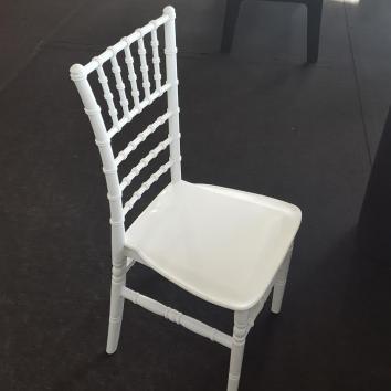 Location chaise chiavari