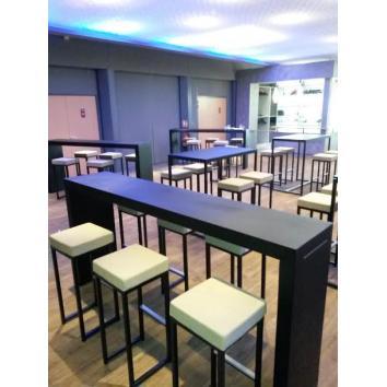 Location table titan mange-debout noir 230/45/110 cm